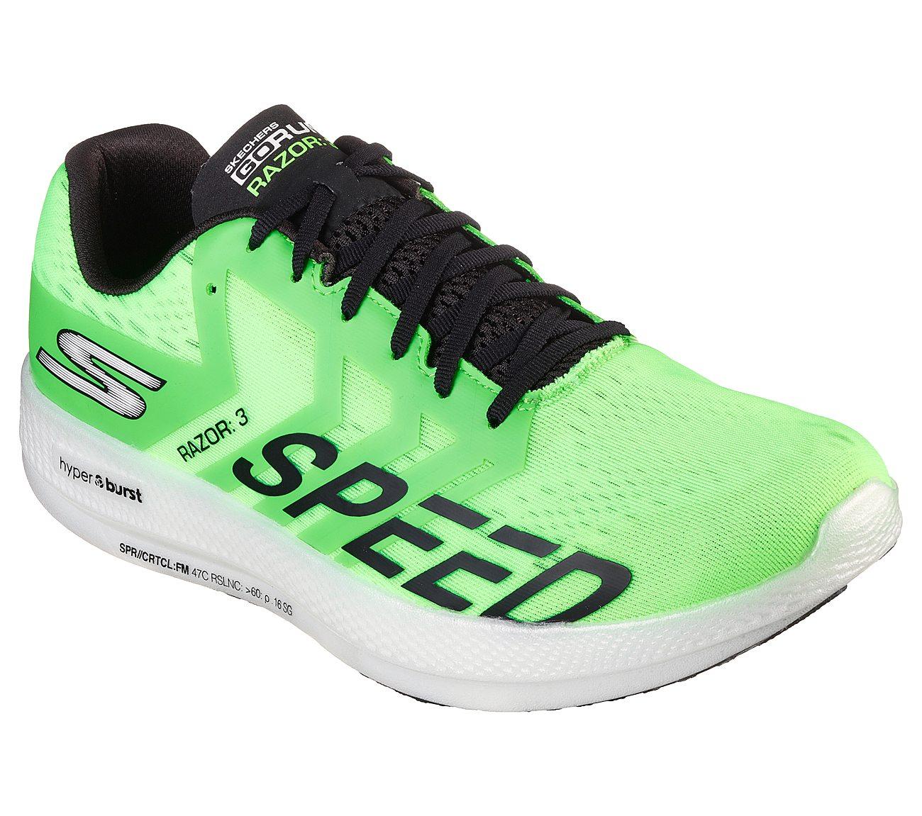 mi blanco Por  Buy SKECHERS Skechers GOrun Razor 3 Hyper Skechers Performance Shoes