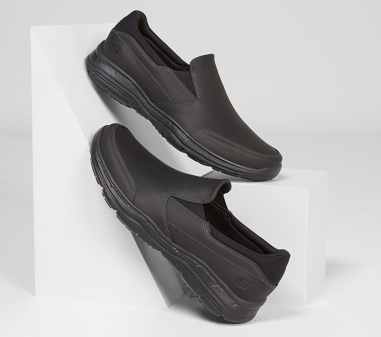 6a23d84d3cc2 Buy SKECHERS Relaxed Fit  Glides - Calculous USA Casuals Shoes only ...