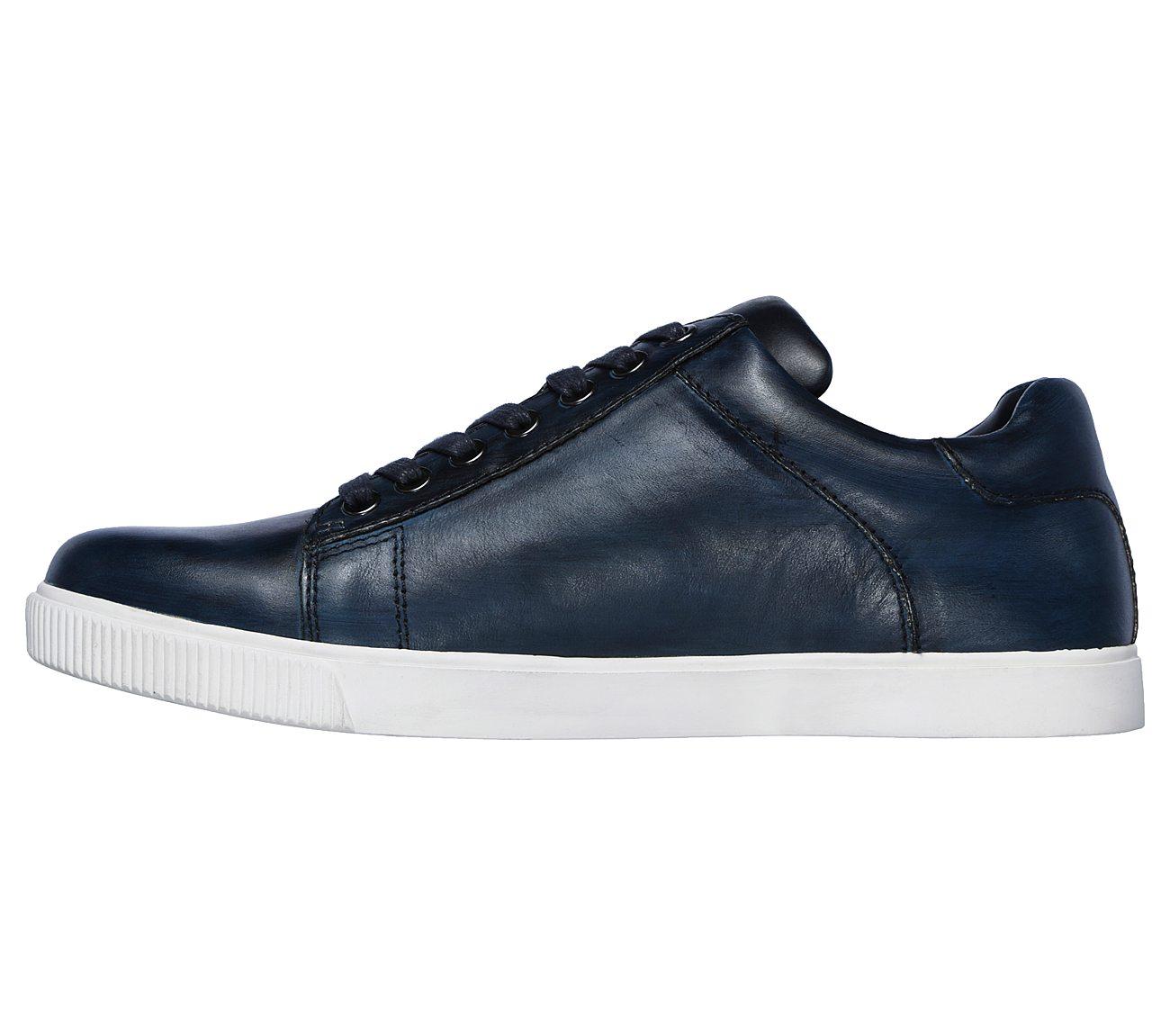 SKECHERS Volden - Fandom USA Casuals Shoes